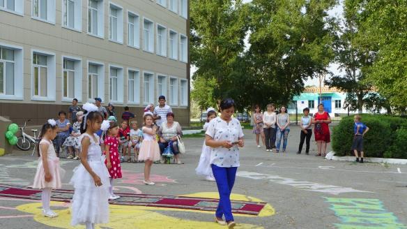 Tanz_Abifeier_Kasachstan